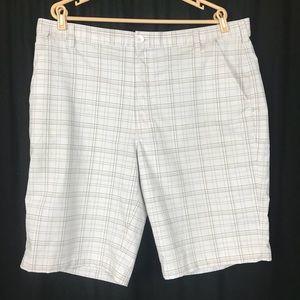 Under Armour MENS 40 XL Golf Shorts